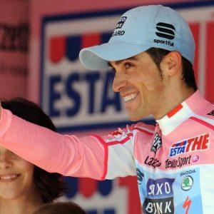 Giro: a Imola vince Zakarin ma Contador mostra i muscoli