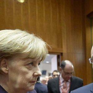 """Grecia, Hollande contraddice Merkel: """"L'accordo serve subito"""""""