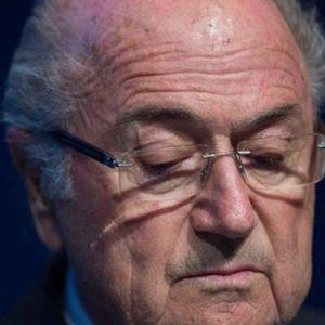 """Fifa e corruzione, Blatter si dimette: """"Nuove elezioni"""""""