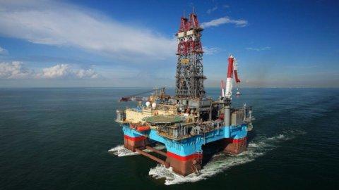 Non basta Santander: il petrolio sgonfia le Borse