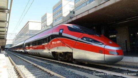 Treni dal 3 giugno: Trenitalia potenzia Frecce, Intercity e regionali