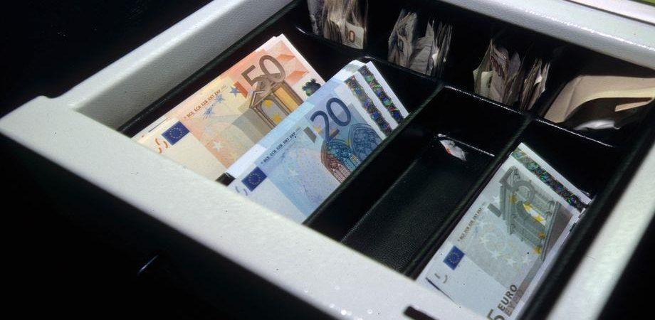 Pagamenti in contanti: novità per pensioni, affitti, tasse e banche