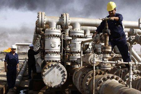 Il petrolio crolla e lo spread sale: Borsa ancora in rosso