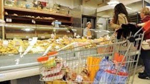 Confcommercio: consumi in rialzo, prima volta dal 2007