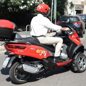Enjoy: a Roma scooter sharing targato Piaggio