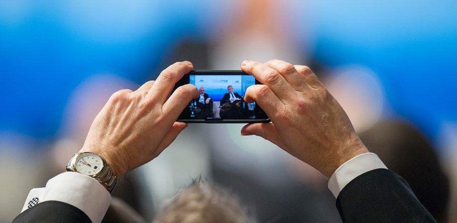 Smartphone: nel 2016 diremo addio alla Sim, arriva il chip interno