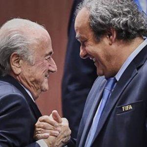 Platini-Zico: sfida tra numeri 10 per la presidenza Fifa