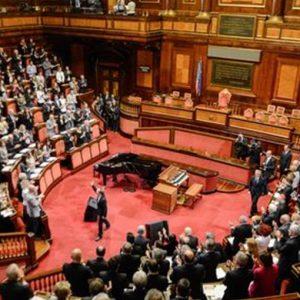 Via libera alla nuova Costituzione e alla riforma del Senato