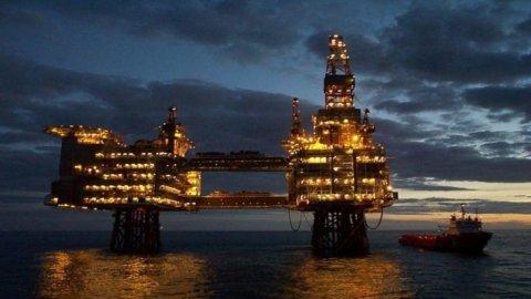 Petrolio: prezzi giù, Iran pronta ad aumentare la produzione di 500 mila barili