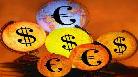 La Fed pesa sul dollaro: l'euro vola