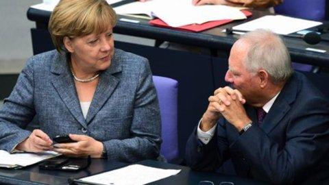Grecia, il Bundestag approva gli aiuti a larga maggioranza