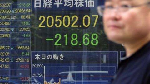 Borse europee in rosso: pesa il nuovo crollo di Shanghai