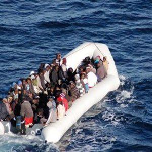 Migranti, Italia pronta a chiudere i porti