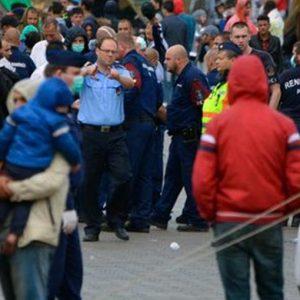 Ungheria, caos migranti: a Budapest scontri in stazione