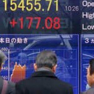 Borsa: Milano apre in rosso, Tokyo festeggia accordo TTP