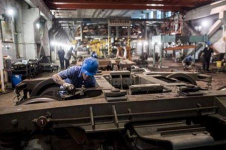 Industria, fatturato e ordinativi risalgono ma l'auto pesa