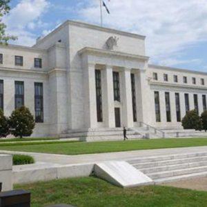 Powell dà sprint alle Borse e al dollaro: più forte la crescita Usa