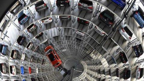 Dieselgate: tempesta Usa su Fca, guai per Daimler e Vw in Europa