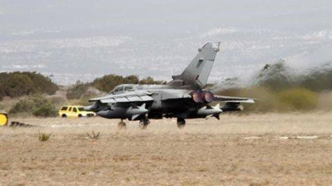 L'Italia bombarderà l'Isis in Iraq, ma non in Siria