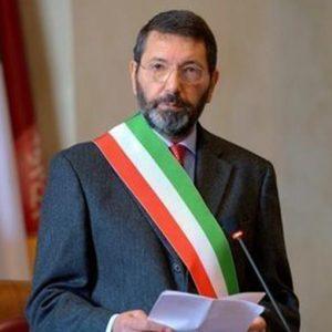 Roma, Marino accerchiato: giallo sulle dimissioni