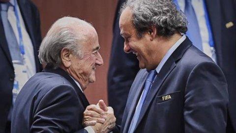 Blatter travolge Platini: sospesi i numeri uno di Fifa e Uefa