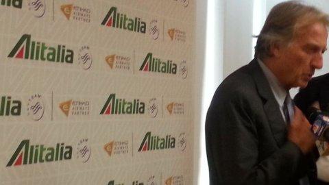 Alitalia: ad sì, ma non subito