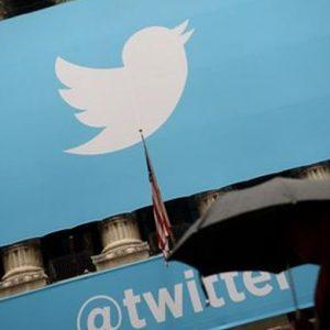Twitter riduce le perdite e il titolo vola a Wall Street