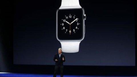 Presentato l'Apple Watch: la versione Sport costa 349 dollari, quella di lusso oltre 10mila