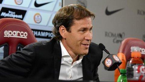 Campionato Serie A: la Roma espugna Firenze e va in testa, ma la Lazio è seconda