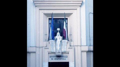 Istat: aumentano extracomunitari regolari in Italia, sono quasi 4 milioni