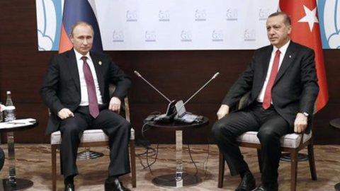 """Jet abbattuto, Erdogan: """"No a escalation di tensione con Russia"""""""