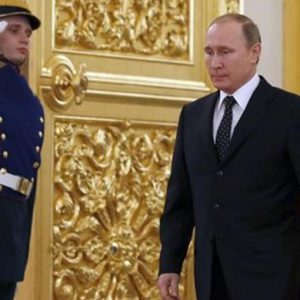 Incontri anti-Isis, Hollande vede Renzi e poi vola da Putin