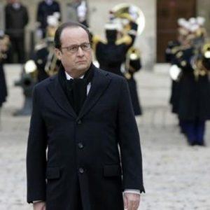 """Hollande: """"Il nemico è il fanatismo"""""""