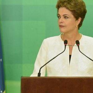 Brasile, via all'impeachment per la presidente Dilma