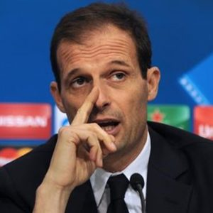Champions League: la Juve si qualifica ma perde il primato a Siviglia, la trafigge l'ex Llorente