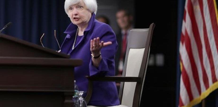 """Yellen a Trump: """"Non sconvolgere la regolamentazione finanziaria"""""""