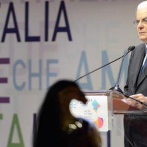 """Banche, Mattarella: """"Gravi episodi: accertare le responsabilità e rispettare le competenze"""""""