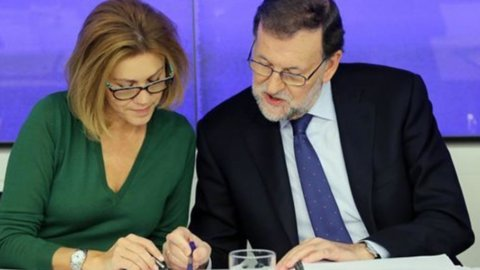 """Spagna: il Psoe dice no a Rajoy e invoca un """"Governo di cambiamento"""""""