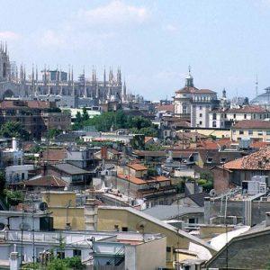Antismog: da oggi blocco auto e moto a Milano e targhe alterne a Roma