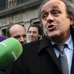 """Fifa, Michel Platini si ritira dalla corsa alla presidenza: """"Ora devo difendermi"""""""