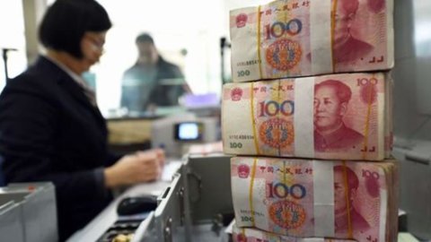 Cina: Pil +6,7%, ma raddoppiano i debiti