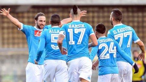 Napoli-Milan, chi sbaglia è perduto. Sorpasso e Champions gli obiettivi