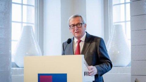 """Brexit, Juncker sotto attacco: """"Non mi dimetto. Niente negoziato se Londra non esce"""""""
