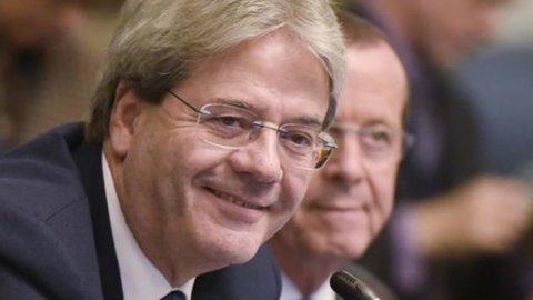 """Ue: """"A Roma non ci sono interlocutori"""". Gentiloni: """"Polemica inutile, c'è governo"""""""