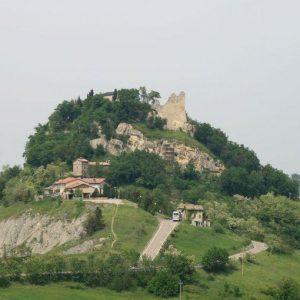 Non andremo più a Canossa, lo storico Castello rischia la chiusura