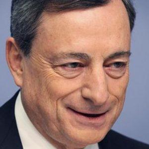 Bce, parla Draghi e l'euro vola