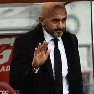 Roma, il caso Totti offusca il 5-0 sul Palermo e per la Lazio solo pari