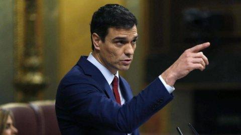 Spagna: i socialisti reclamano il Governo, oggi il re Felipe VI darà l'incarico