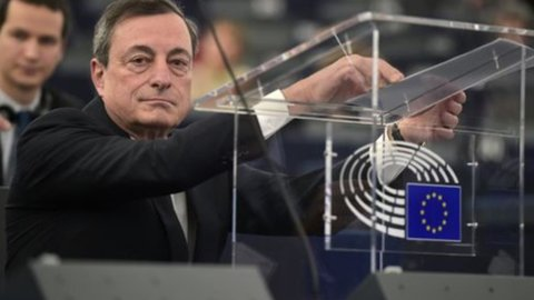 Scudo di Draghi sulle banche, Opec tiene in bilico le Borse