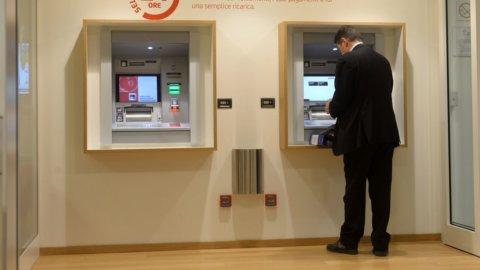 Banche: in Italia più sportelli che farmacie